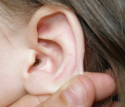 Пробка в ухе и ее лечение