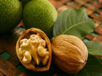 Грецкие орехи при кормлении грудью и во время беременности